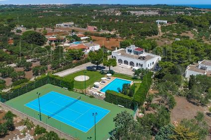 La villa ripresa dal drone di Perle di Puglia
