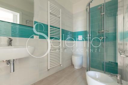 Double View è dotata di ampio bagno doccia en suite