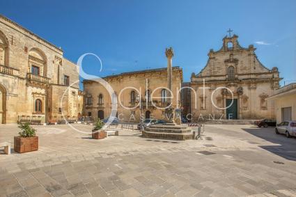 La bellissima piazza di Muro Leccese