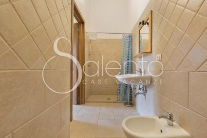 Tutte le camere sono dotate di bagno doccia en suite e biancheria letto / bagno
