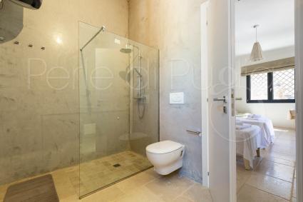 Caprette - Il bagno è completo di doccia